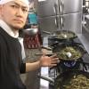 友理の高菜はしっかりと油炒めしています。