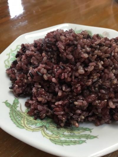石川商店の黒米入の玄米。 お休みの日に、コレで調理しなきゃだし。(笑)